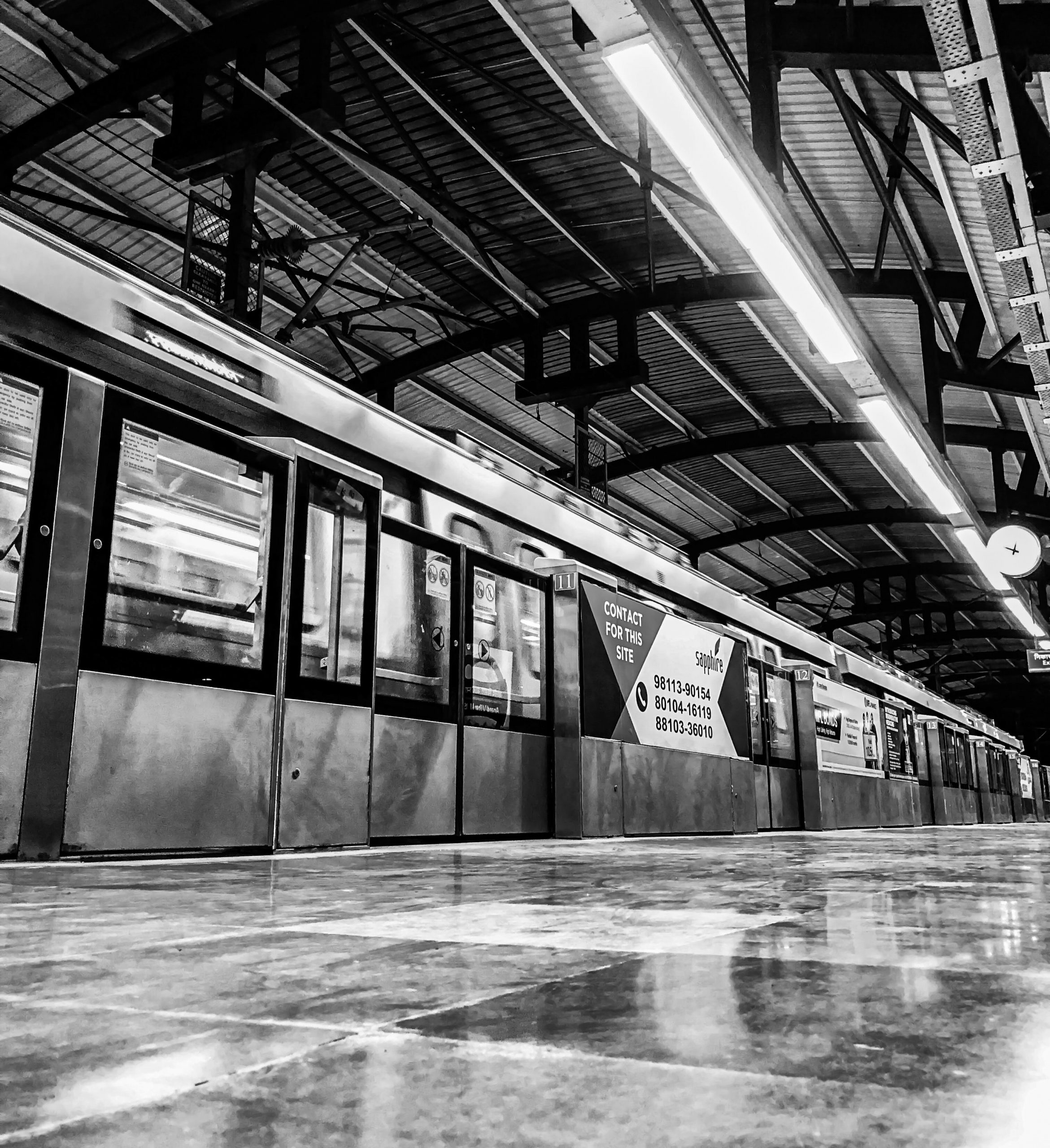 Two days after the yellow line resumed operations, the Delhi Metro's Blue Line and Pink Line are entering the tracks as of today (September 9) as part of the first phase of the gradual resumption of services. . Underground services.