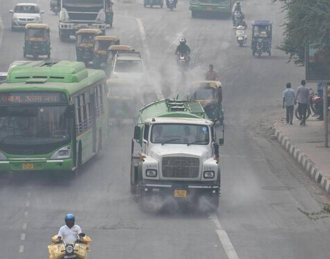 """Air quality in the cities of Delhi, Gurugram, and Noida on the NCR is deteriorating to the category of """"very bad"""""""